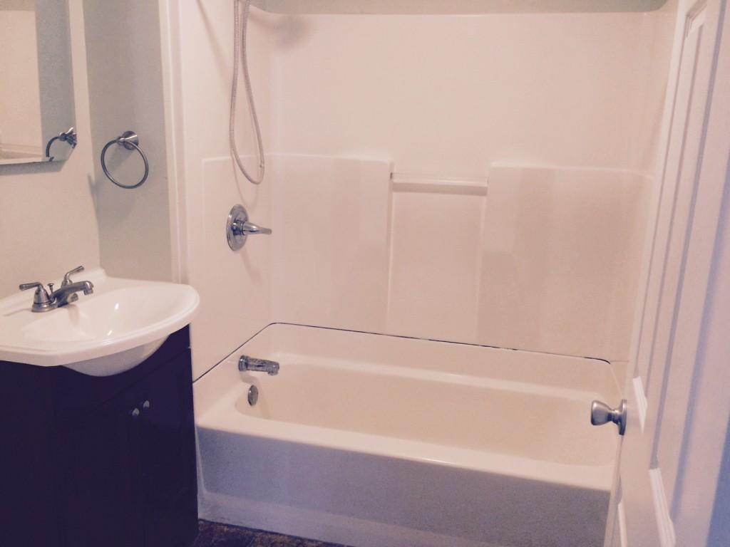 Notre dame bathroom accessories - 512 Notre Dame Ave